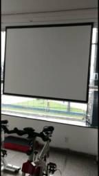 Tela elétrica com controle para projetor
