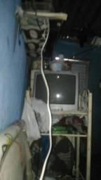 2 tv e tablet 3 com displey queimando