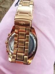 Vendo um relógio novo