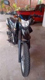 Uma motos Lander ano 2009