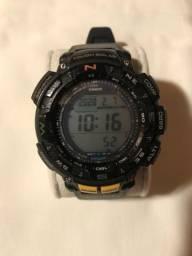 Relógio Casio Protrek triple sensor
