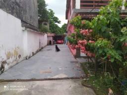 Casa na Praia de Mauà, Magé - RJ. Avenida Roberto Silveira, nº 184 loja D