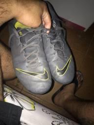 Chuteira Society Nike