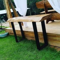 Aparador rústico  em madeira maciça e metal