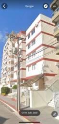 Apartamento grande no bairro Balneário / Estreito