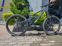 Bicicleta Specialized Big hit spec 2005 aro 26