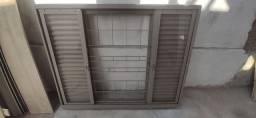 Janela Veneziana 150x120 Grade/Vidro