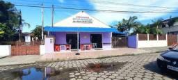 Casa com ponto comercial em Pontal do Parana