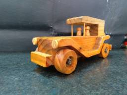 Título do anúncio: carrinho de madeira