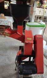 Título do anúncio: Vendo trituradora R$2000