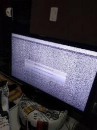 Vendo televisao.