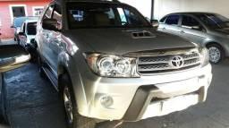 Toyota Hilux SW4 SRV 3.0 4x4 7 Lugares - 2010