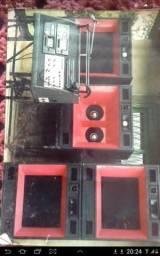 Vendo caixas de som para som profissional são 4 caixas com falantes de 12 polegadas