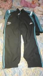 Conjunto de blusão e calça