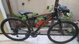 Bike pouco usada/Acompanha alguns acessórios