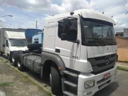 Caminhão trucado 6x2 MB - 2013
