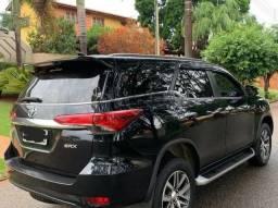 Vendo Belissima Toyota Hilux SW4 - 2017