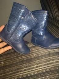 Vendo bota de menina em ótimo estado