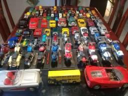 Coleção de mini carros hot wheels
