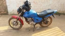 Vendo uma moto por 1.700 barata 5 ano atrasada - 2009