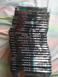 Coleção de DVDs Folha de São Paulo com 28 títulos