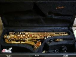 Saxofone Tenor Condor dourado