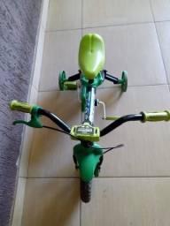 Quadriciclo e Bicicleta Infantil