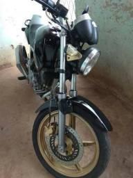 Vendo moto CBX 250 Twister, moto emplacada whatsapp (86) 81473813 - 2002