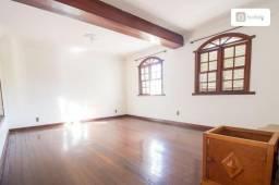 Casa com 600m² e 5 quartos