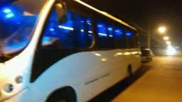Micro ônibus Mercedes 915