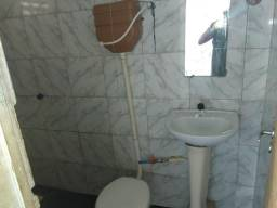 Vendor Uma casa no bairro 17 de março.contato 998426625(zap)