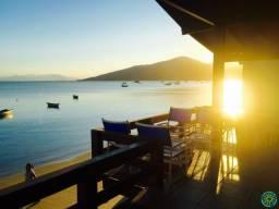 Linda casa beira mar para 7 pessoas localizada na praia de Morrinhos.