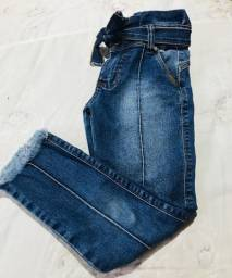 3 calças menina,veste 6 a 8 anos,pouco uso