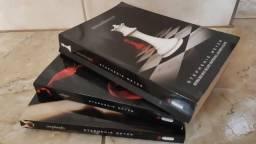 Livros Saga Crepúsculo : Crepúsculo + Eclipse + Amanhecer comprar usado  Juiz de Fora