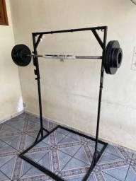 Barra de treino com 40kg com suporte para agachamento