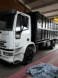 Iveco euro cargo motor Cummins 6 cilindros Caixa Eaton reduzido