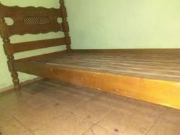 Título do anúncio: Troco cama de solteiro