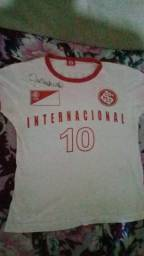 Vendo camiseta do Internacional com Autógrafo do Eterno Cap.Fernandão