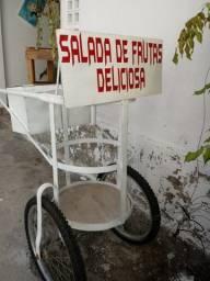 Carrinho de salada de frutas