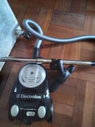 Aspirador eletrolux 1600W Preto