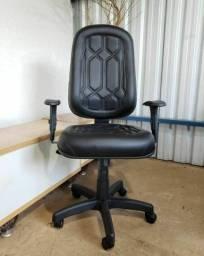 Título do anúncio: Cadeira presidente com garantia