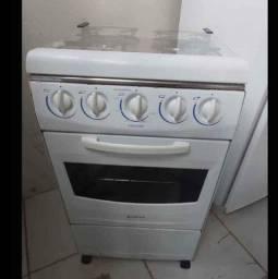 Vende-se um fogão de 4 boncas
