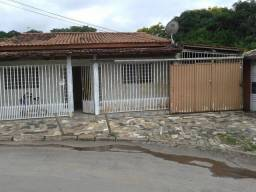 Alugo casa Candangolândia