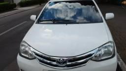 Vendo Toyota Etios Hacth 2013/13 HB XLS 1.5 flex completo - 2013