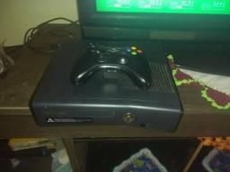 Vendo ou troco Xbox 360+ controle sem fio