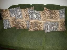 Almofadas em Tecido Estampado Onça. 55x55cm. Fechamento com Zíper(Entrega em Seu Endereço)