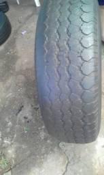 Vendo um pneu usado 235/75/15