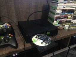 Xbox 360 slim desbloqueado 2 controles originais 60 jogos 110v