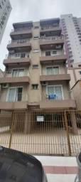 Apartamento à venda com 2 dormitórios no centro de Balneário Camboriú
