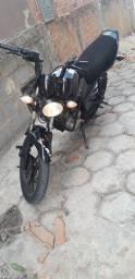 Troco moto sandown max  em outra moto do meu interesse  preferência bros
